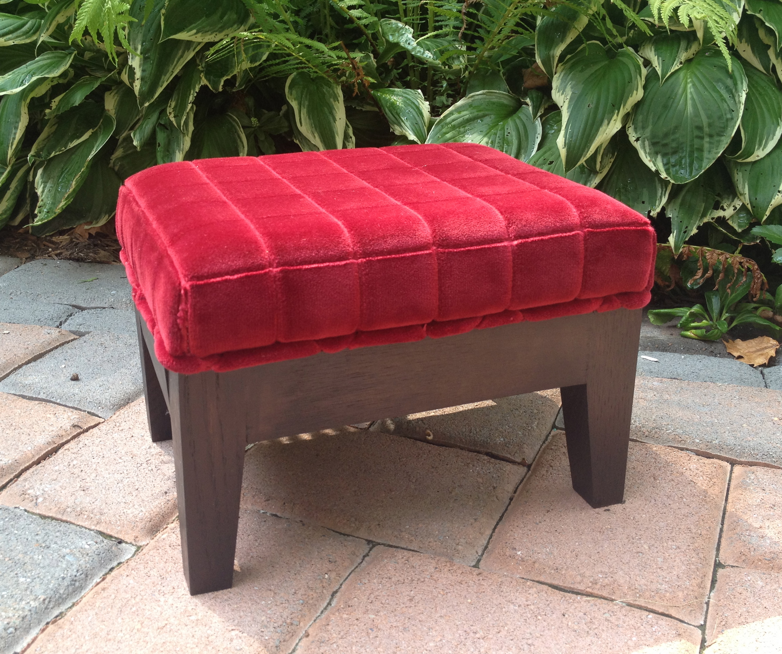 Purse Stool for Restaurant Dining